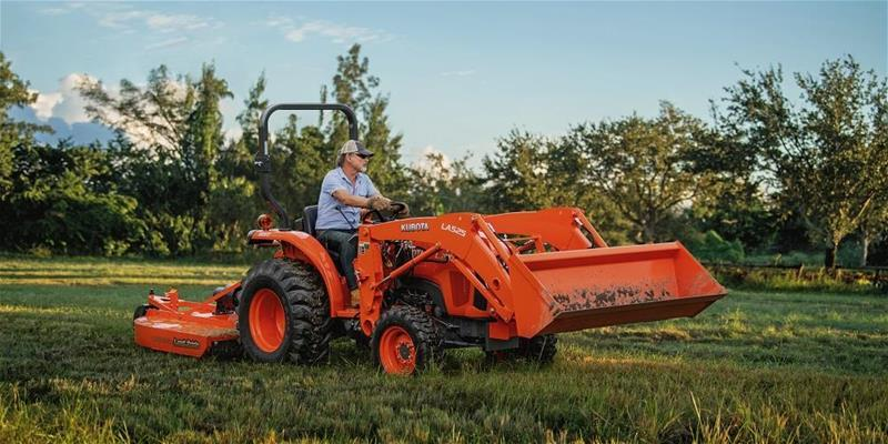 Three Must-Have Tractor Attachments for Large Property Owners