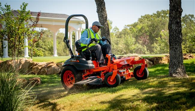 Kubota Expands Its Popular Gas-Powered Z400 Line of Zero-Turn Mowers
